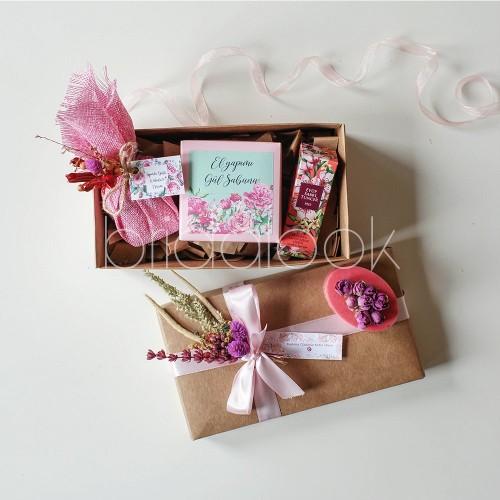 Kumaş Detaylı Çiçek esanslı mum & Tercihli Hediye seti