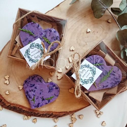 Lavanta ve çam yaprağı detaylı kalp sabun