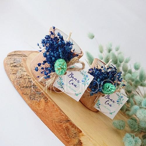 Mavi Kuru Çiçekli Kütük Mum